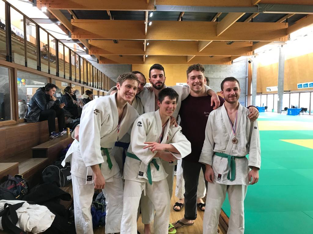 Félicitations à nos Kyu lors de la compétition des ceintures de couleurs du samedi 8 mars 2020 à Brétigny